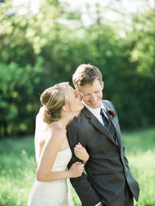 Midwest-Wedding-Photography-at-blue-bell-farm-by-Courtney-Tompson-Photography